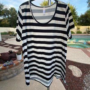 LuLaRoe Classic T-Shirt 2XL Striped
